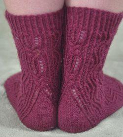 Celtic Waves Sock Pattern (knit)